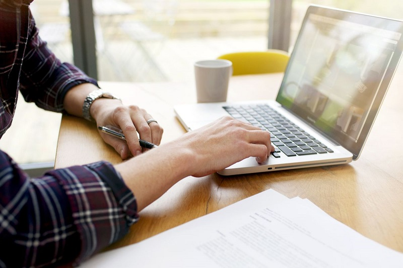 Tips for buying your next business laptop